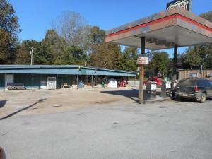 GAS STATION IN MAYNARD, ARKANSAS